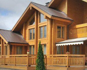 Фасад и интерьер деревянного дома
