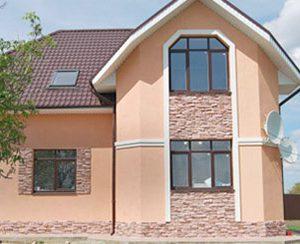 Фасад и интерьер каменного дома